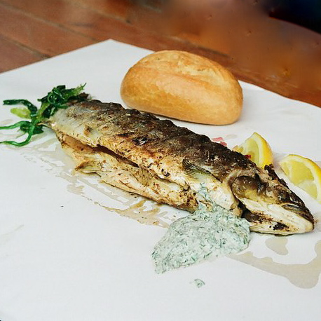 Steckerlfisch-Wochenmarkt-Berlin-Fisch-Grill