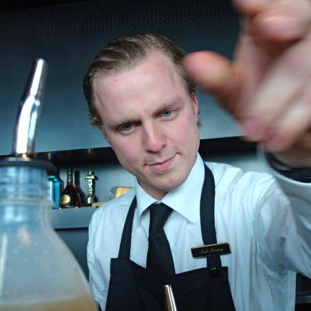 Arnd-Heißen-Cocktails-Berlin-Parfum-Ritz-Carlton
