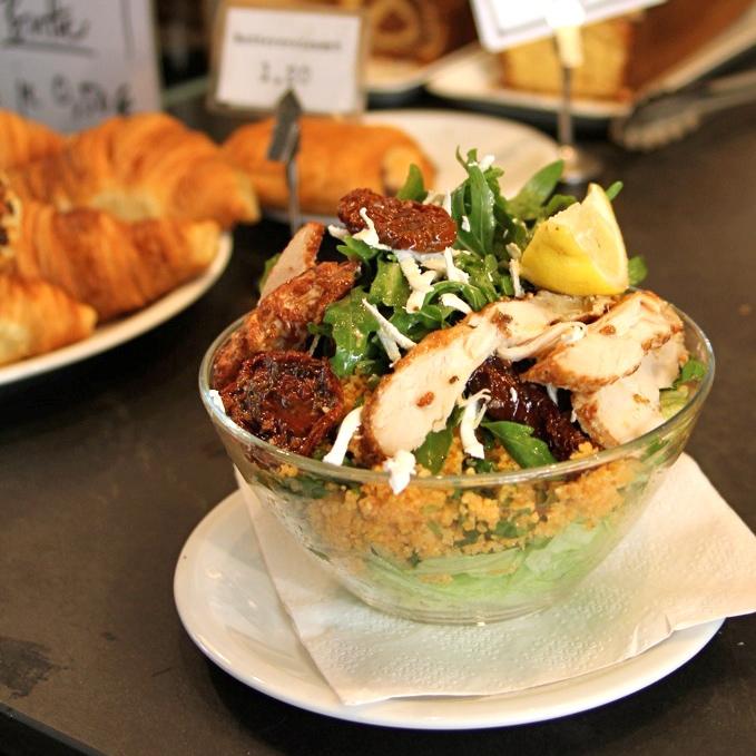 Pure-Origins-Berlin-Salat-Bagels