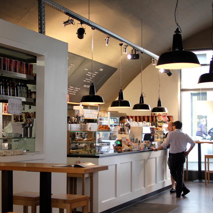 Pure-Origins-Berlin-Salate-Sandwiches-Kuchen