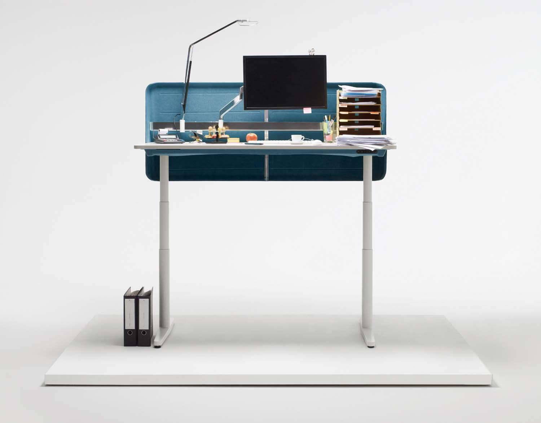tyde von vitra endlich ein schreibtisch an dem man auch. Black Bedroom Furniture Sets. Home Design Ideas