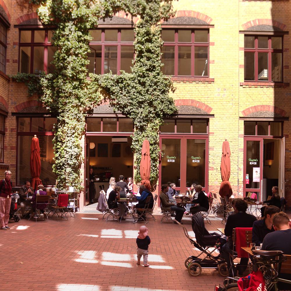 barcomis-cafe-berlin-mitte-gipshoefe-2