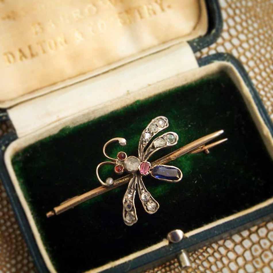 Schmuskstücke bei Antique Vintage Jewellery Berlin Mitte-10