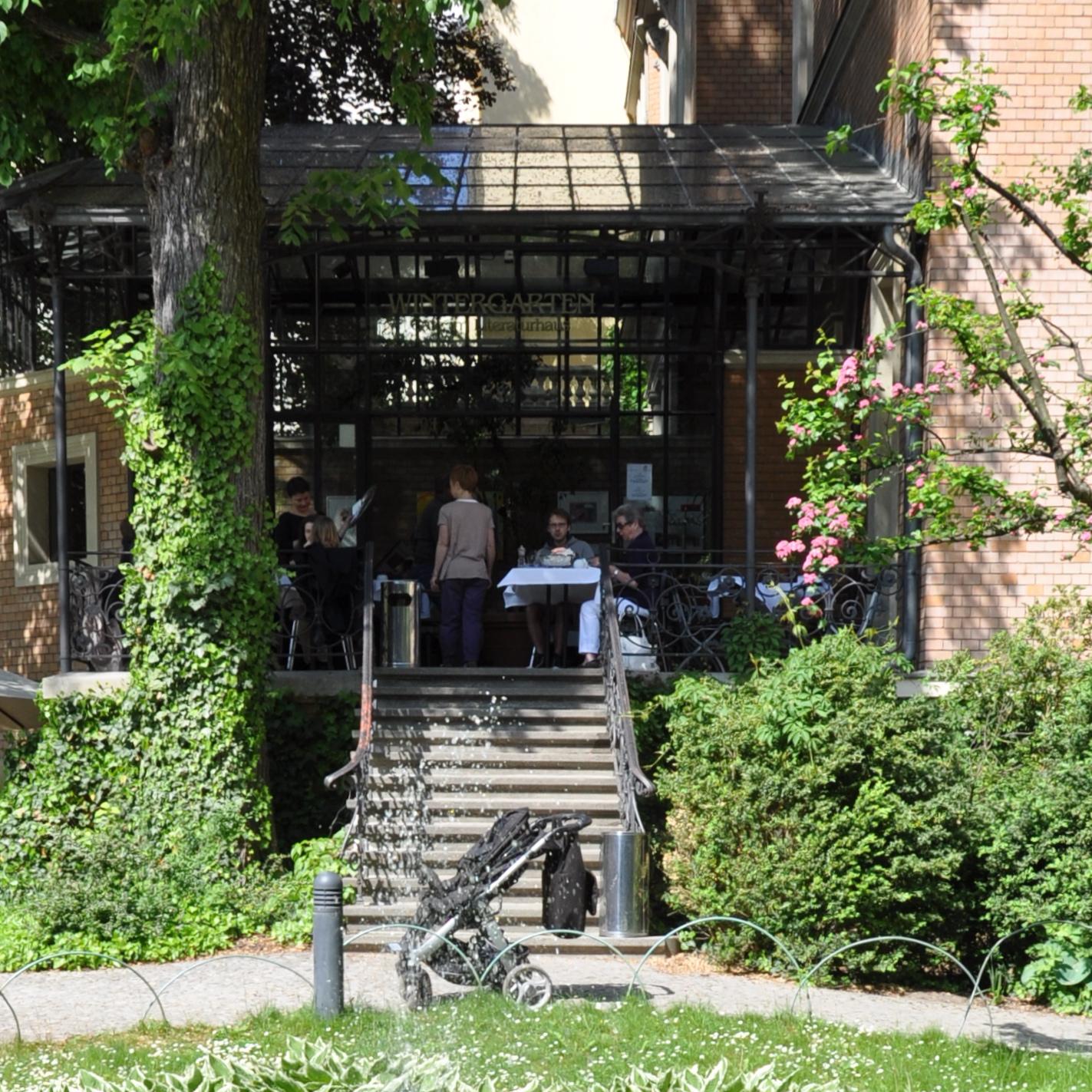 Literaturhaus-Berlin-Wintergarten-Cafe-Eingang