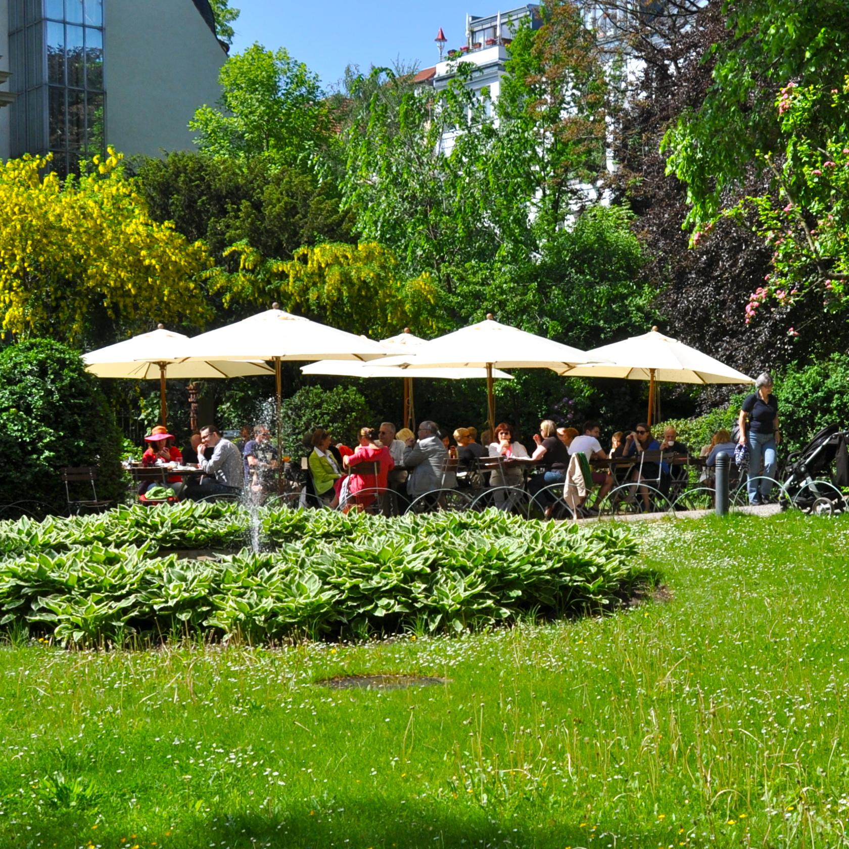 Literaturhaus-Berlin-Wintergarten-Cafe-Garten
