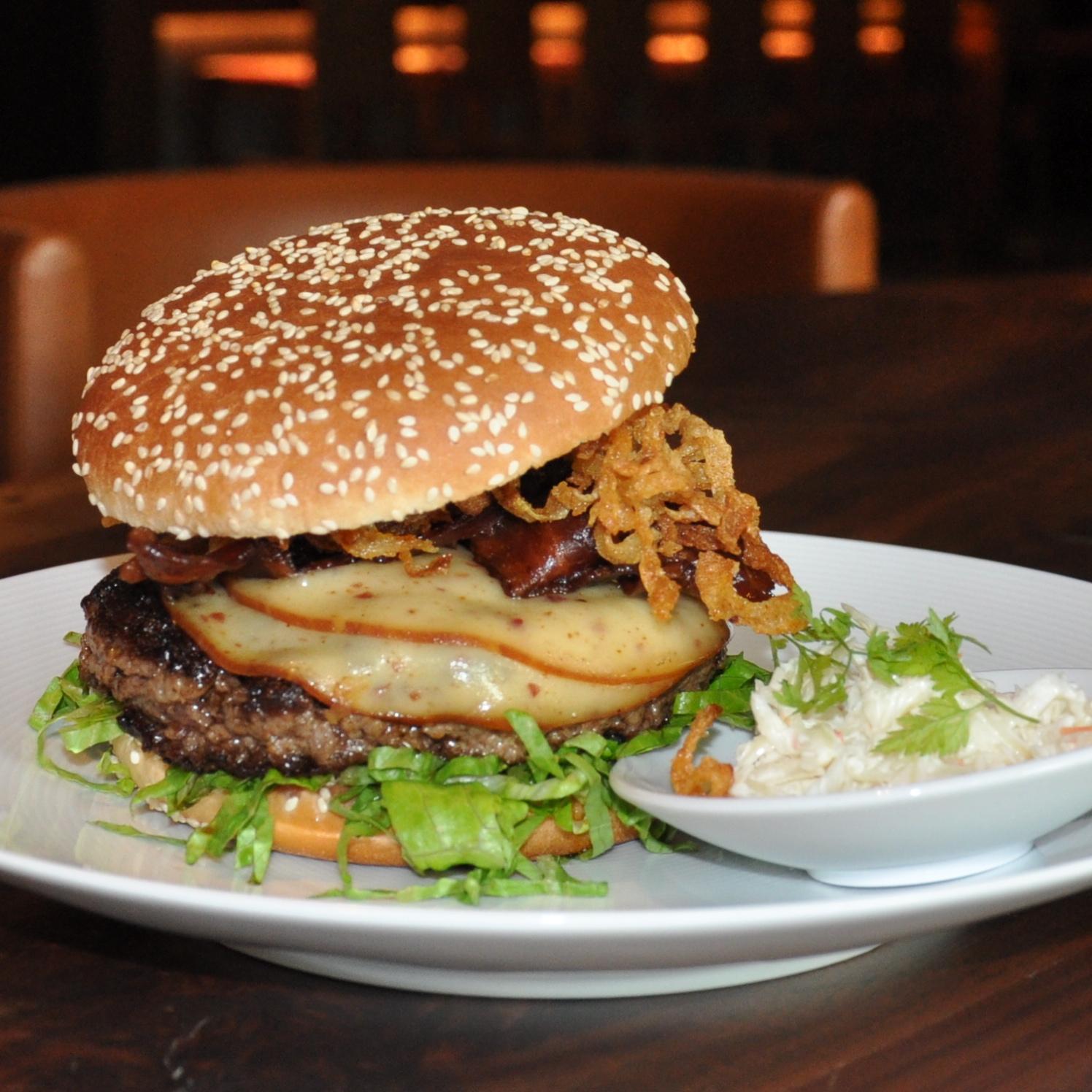 Tizian-Hyatt-Burger-essen-BBQ