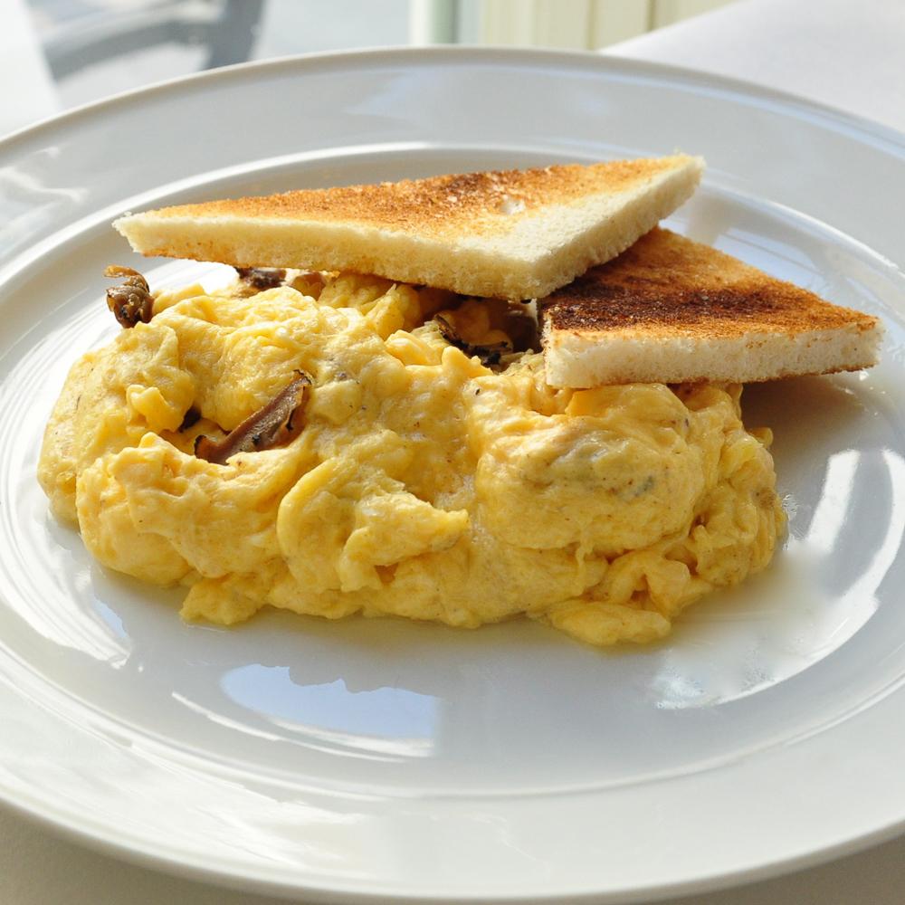 Kaffeehaus Grosz Berlin Frühstück Trüffel Rührei