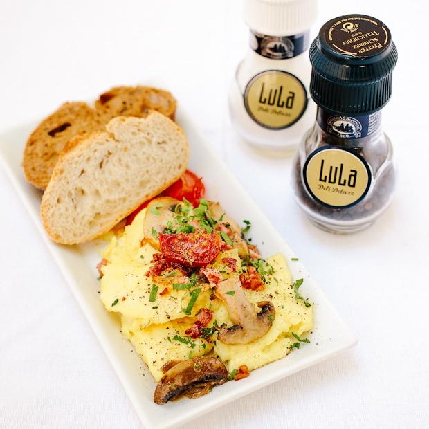 LuLa-Deli-Deluxe-Cafe-Berlin-Friedenau-Fruehstueck