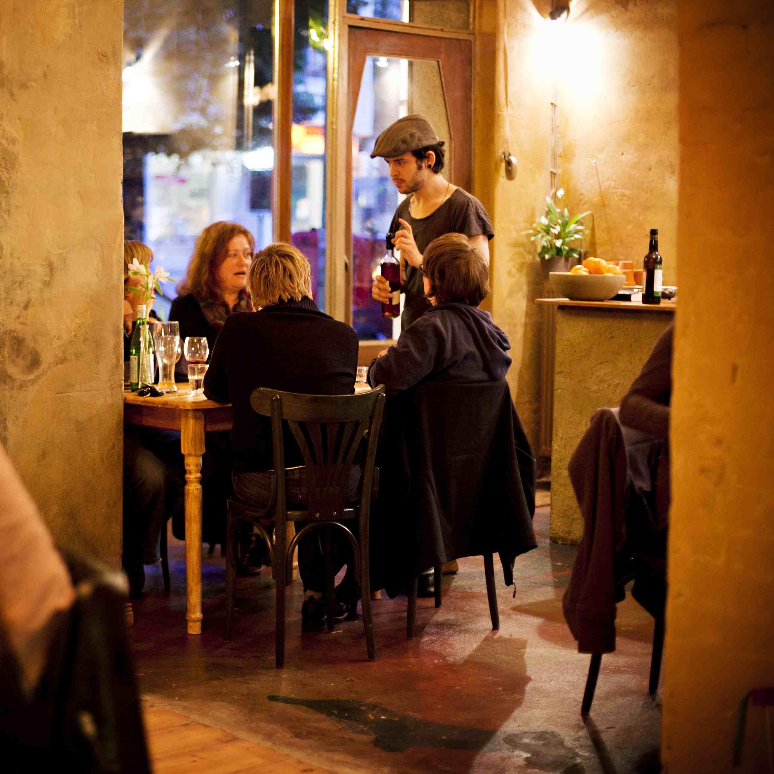 Paleo-Restaurant-Sauvage-Berlin-Interieur-3