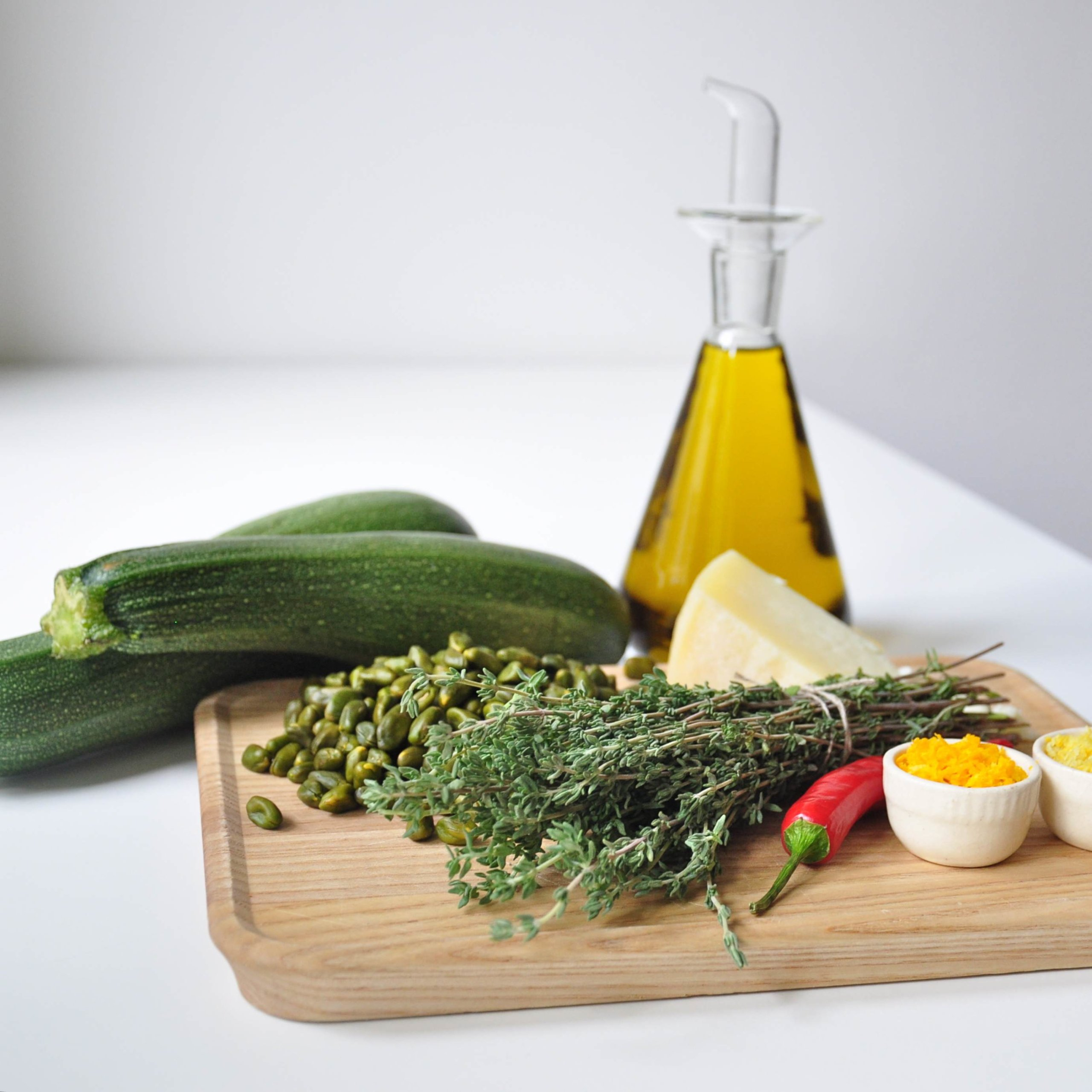 Paleo-Zucchini-Pasta-mit-Pistazien-Pesto-1