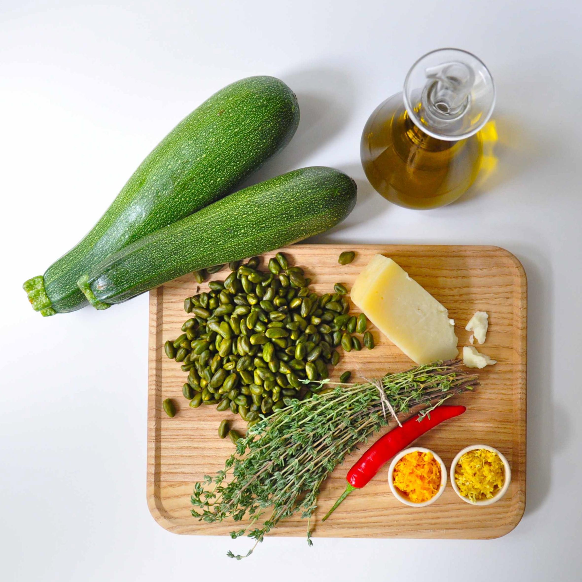 Paleo-Zucchini-Pasta-mit-Pistazien-Pesto-2