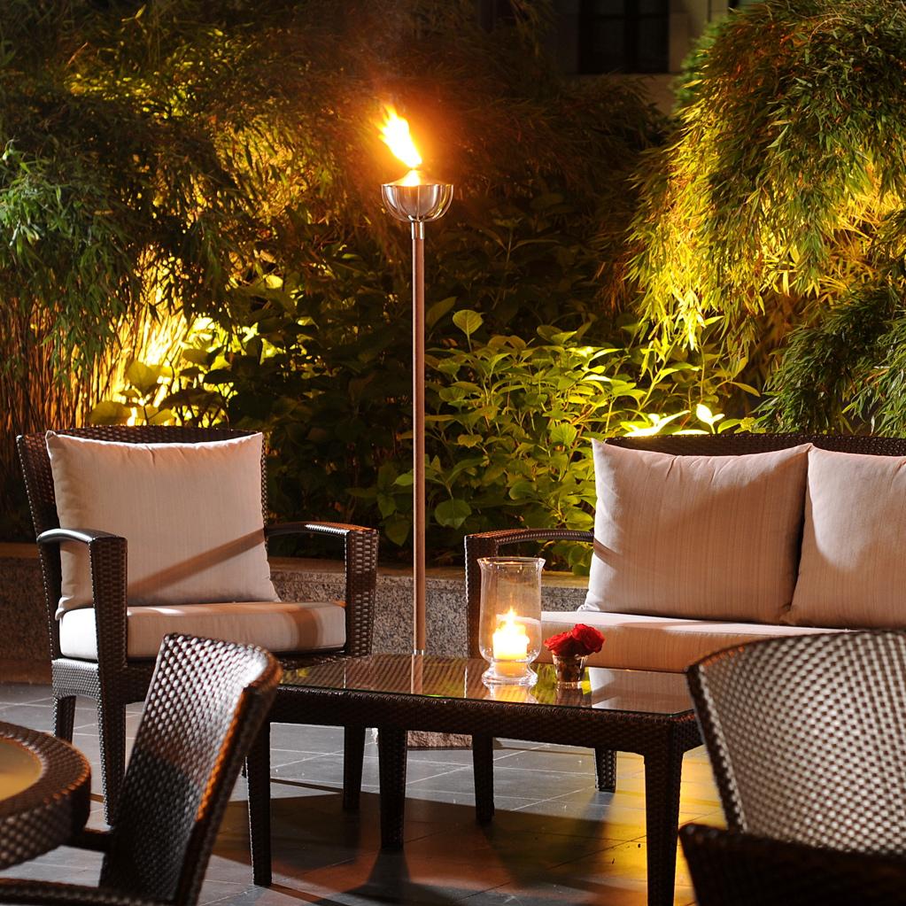 The-Regent-Summe-Lounge-Abend