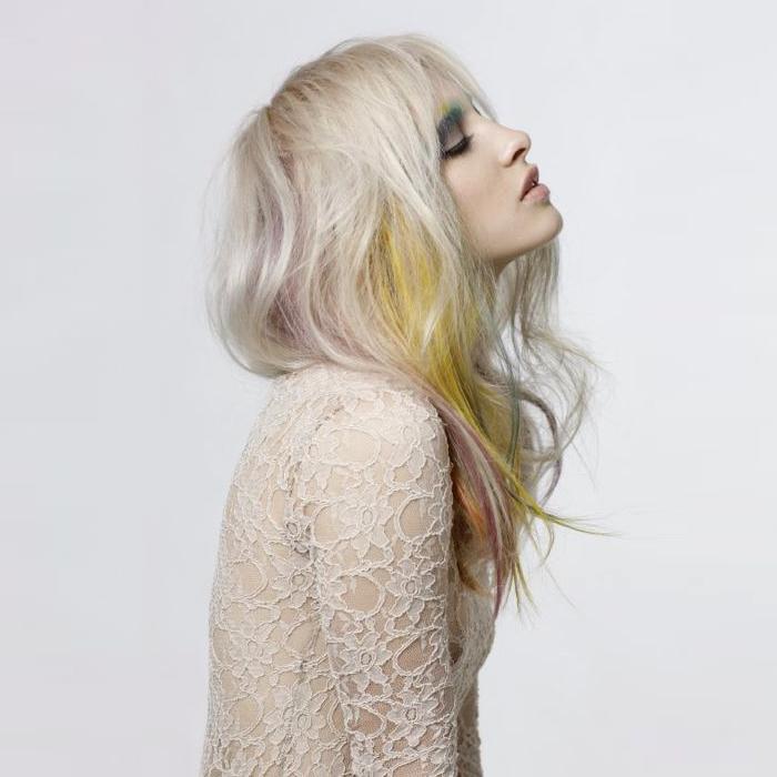Colorist-Berlin-Andreas-Kurkowitz-blond-bunt