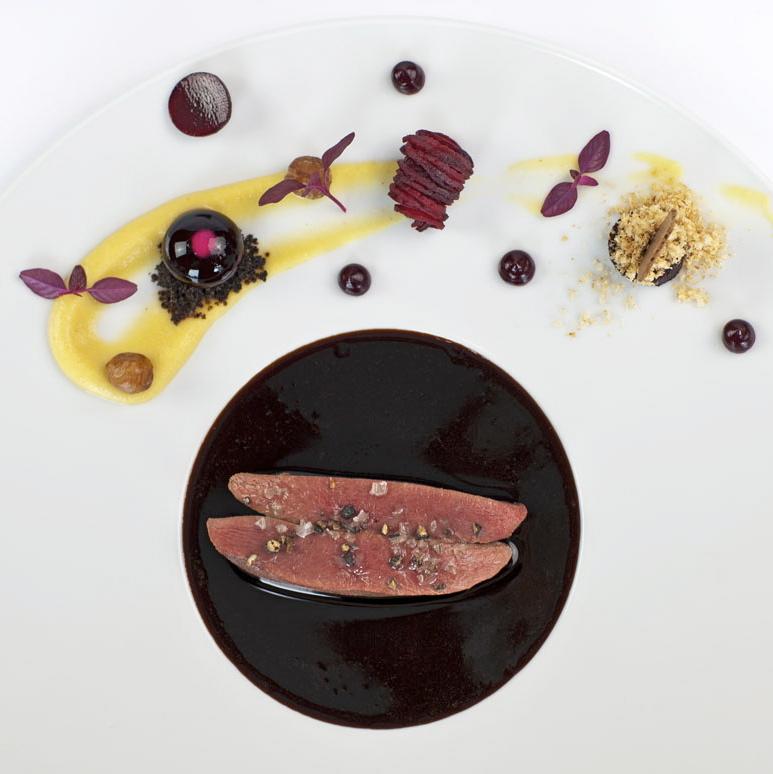 First-Floor-Restaurant-Berlin-Taube