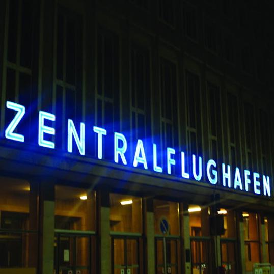 Flughafen-Tempelhof-Berlin-AnneLiWest-9