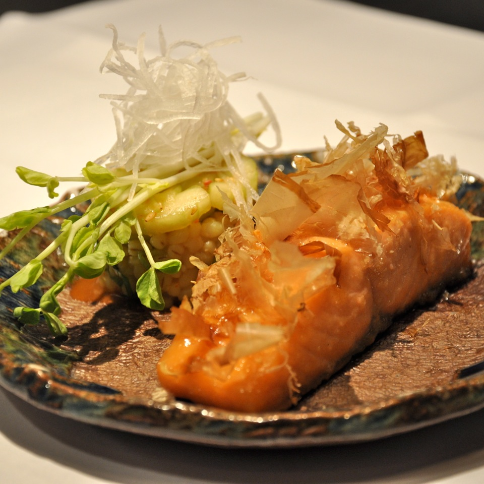 Hyatt-Restaurant-Vox-Sake-Menu-Lachs