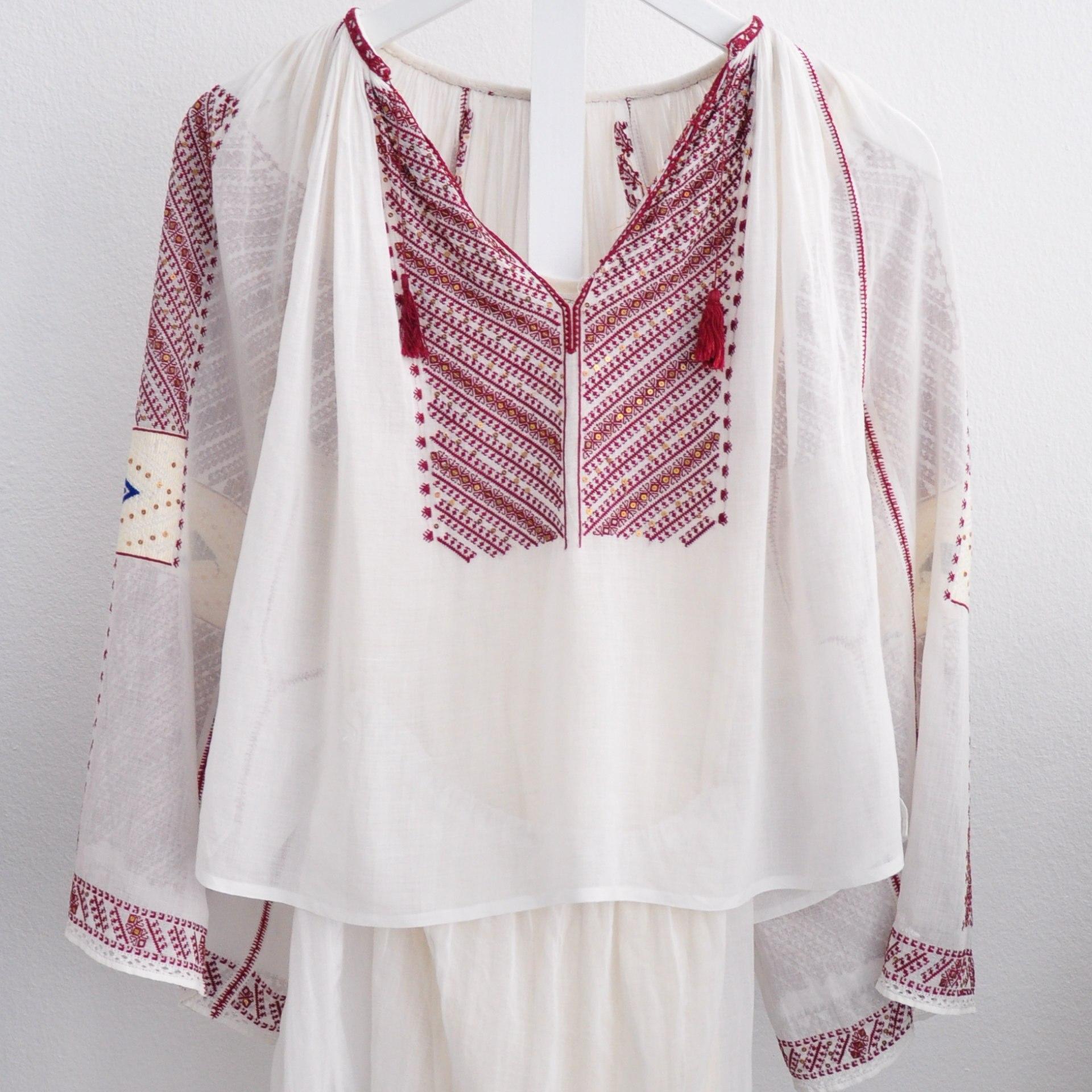 International-Wardrobe-Berlin-Folkloristische-Bluse-2