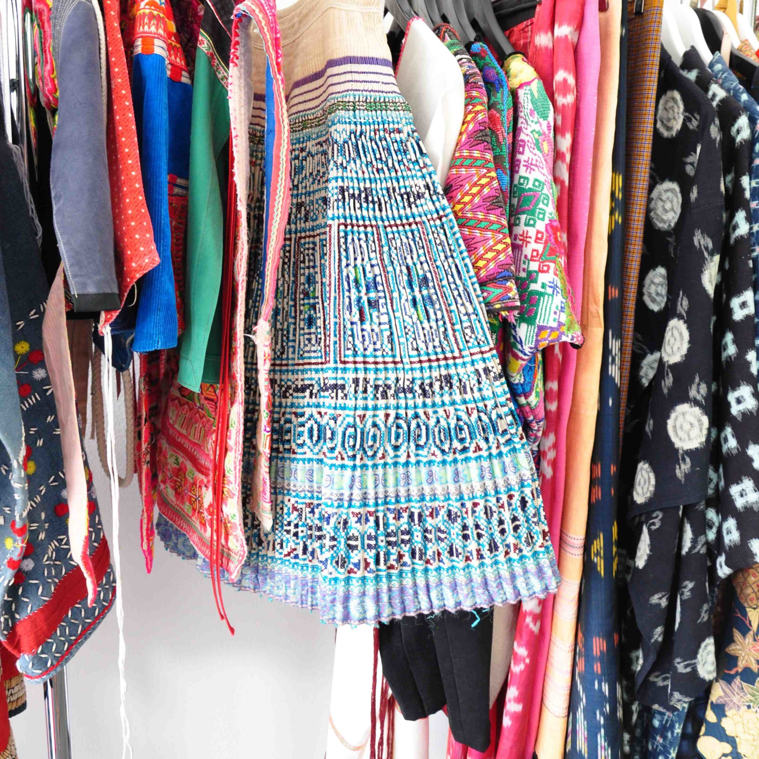 International-Wardrobe-Berlin-Folkloristische-Kleidung