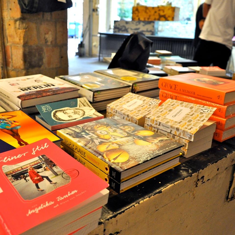 Voo-Store-Berlin-Fashion-Shop-Buecher