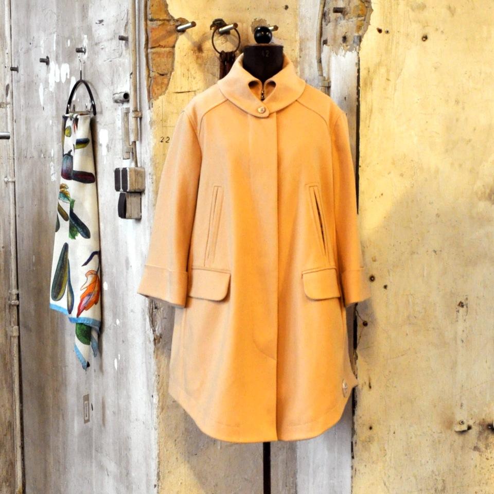 Voo-Store-Berlin-Fashion-Shop-Mantel