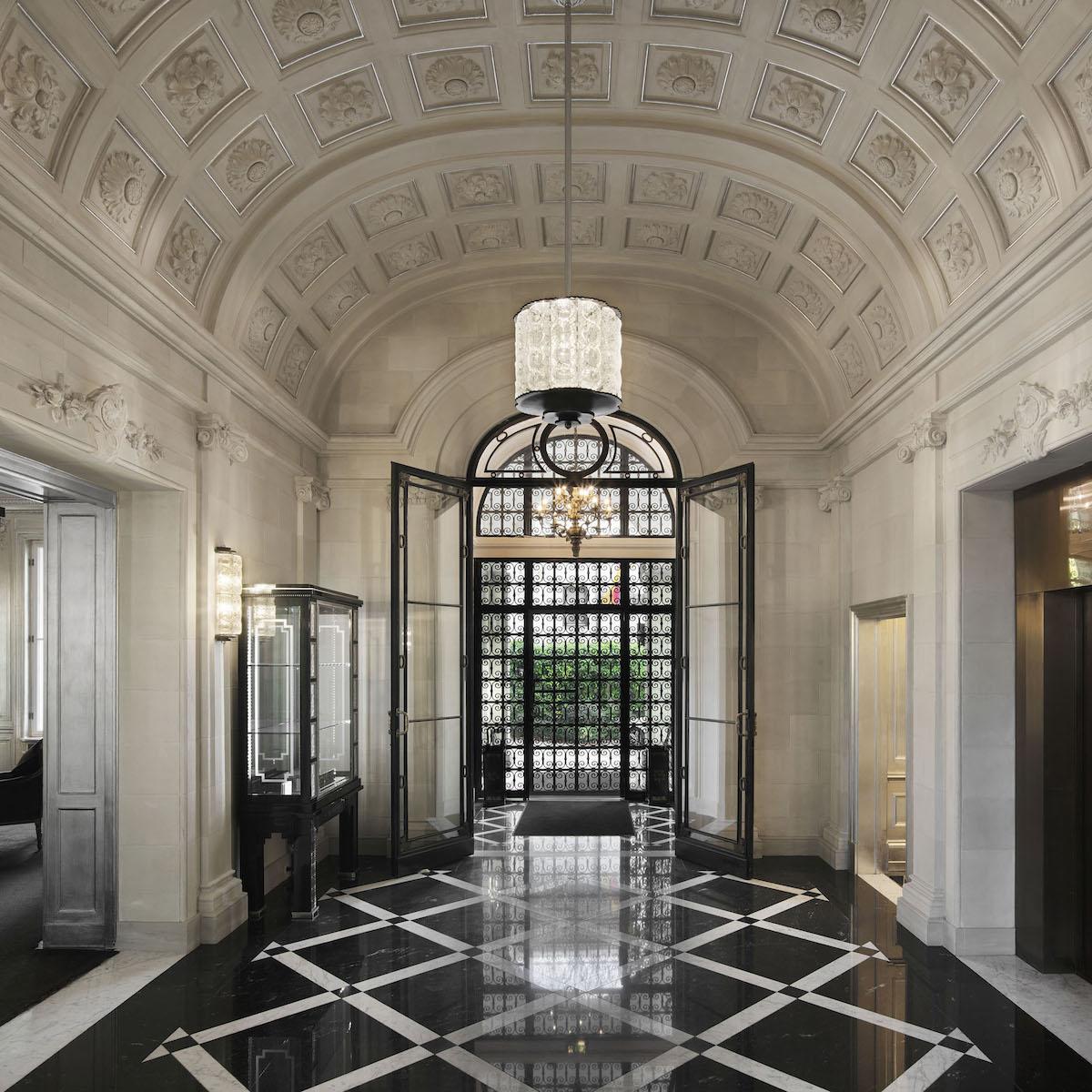 Patrick Hellmann Schlosshotel Berlin Grunewald_Entree