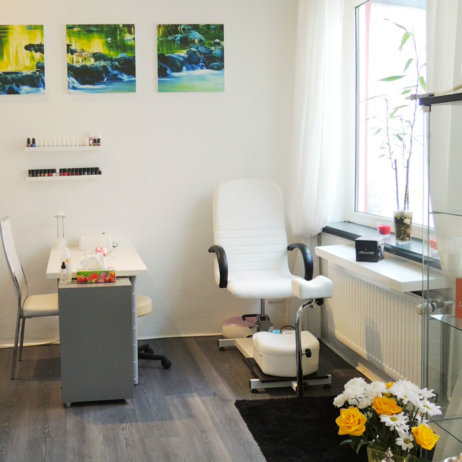 Absolut-Wellness-Spa-Hamburg-Massagen-Facials-Pediküre-8