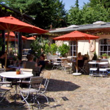 Mutter Fourage - Idyllisches Hofcafé in Wannsee