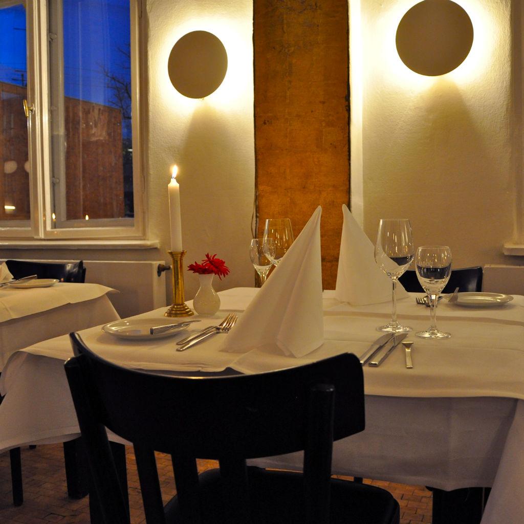 Restaurant-Paris-Moskau-Berlin-Tisch