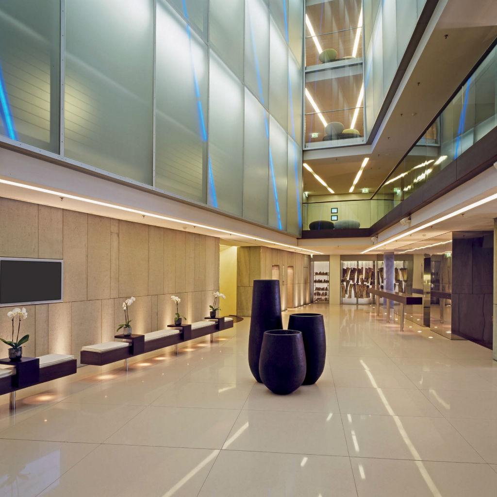 SIDE-Designhotel-Hamburg-Atrium