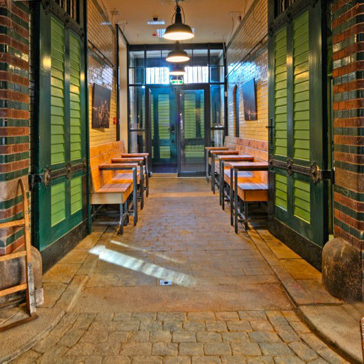 Wasserschloss-Restaurant-Hamburg-2