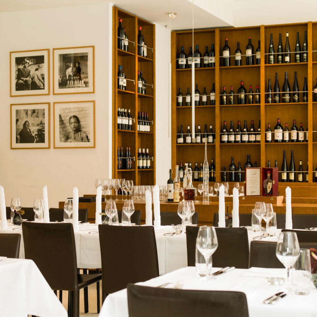 Restaurant-DUKE-Ellington-Hotel-4