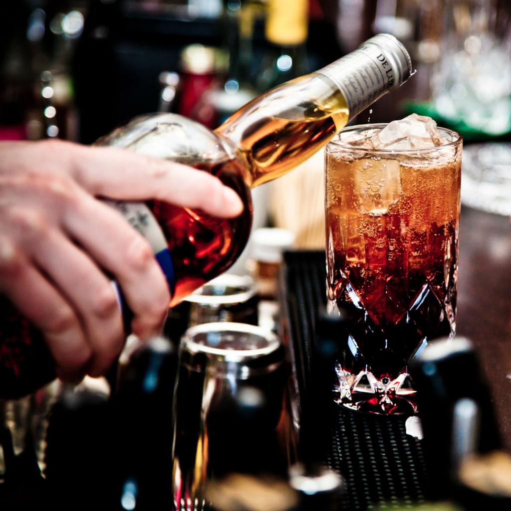 Galander-Bar-Berlin-Stuttgarter-Platz-mixen