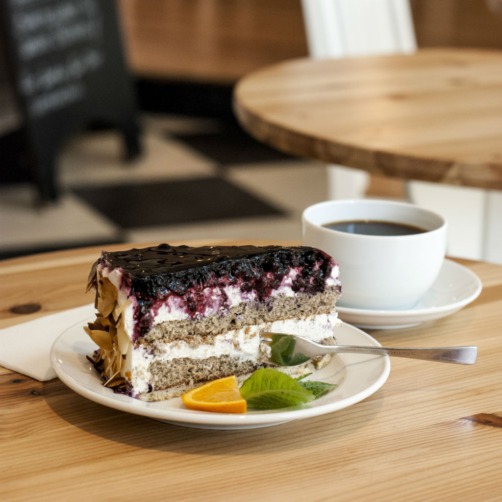 cafe-luise-torte-copyright-graugans-design