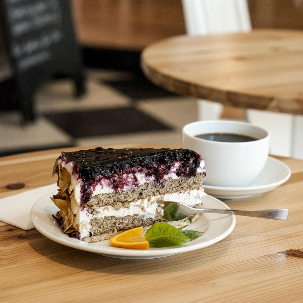 cafe-luise-torte-copyright-graugans-design
