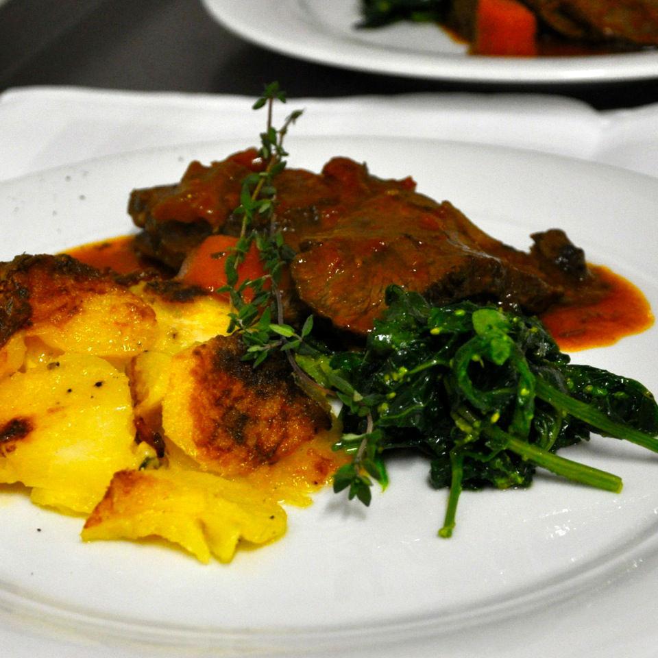 Enoteca-Angolino-Restaurant-Italiener-Berlin-Ochsenbaeckchen