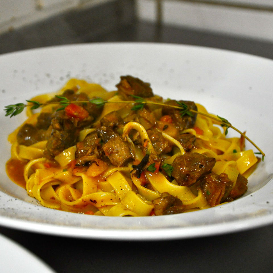 Enoteca-Angolino-Restaurant-Italiener-Berlin-Ragout
