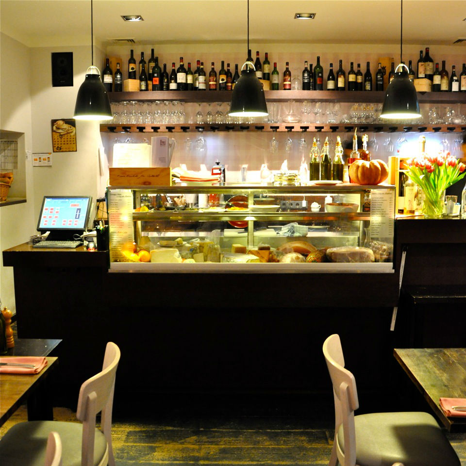enoteca l 39 angolino restaurant charlottenburg creme berlin. Black Bedroom Furniture Sets. Home Design Ideas