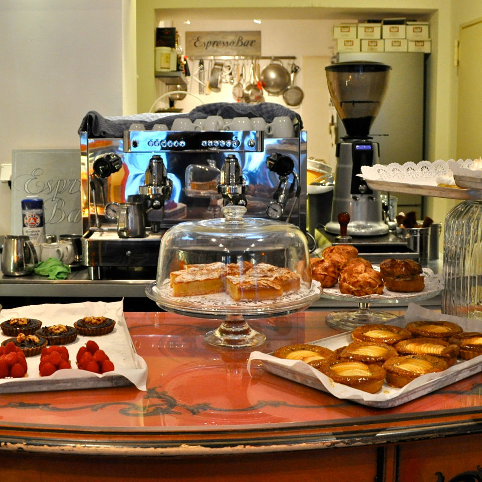 Espresso-Bar-Patisserie-Mommsenstrasse-5