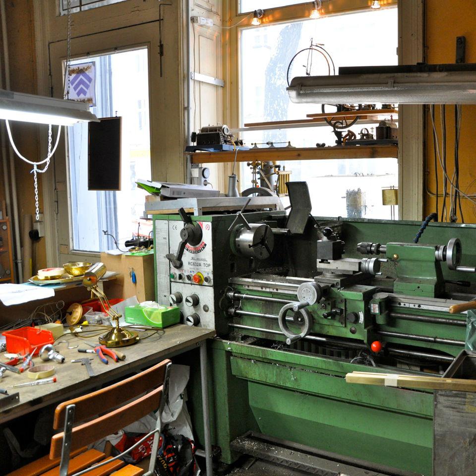 Feine-Mechanik-Design-Ulrich-Panzer-Berlin-Reparaturen