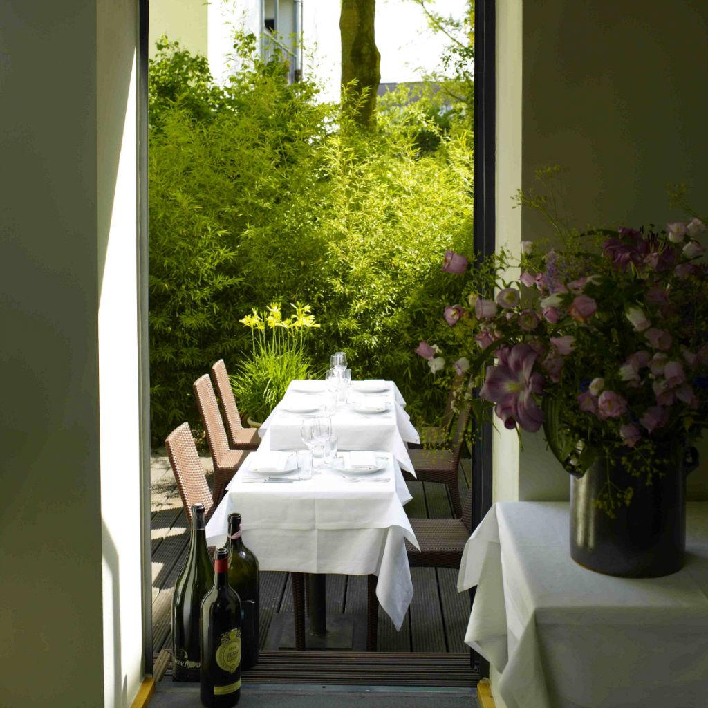 Nil-Restaurant-Hamburg-Garten