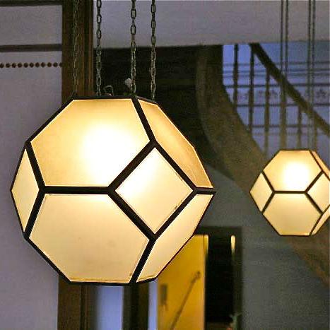 Traube-Restaurant-Berlin-Mitte-Lampen