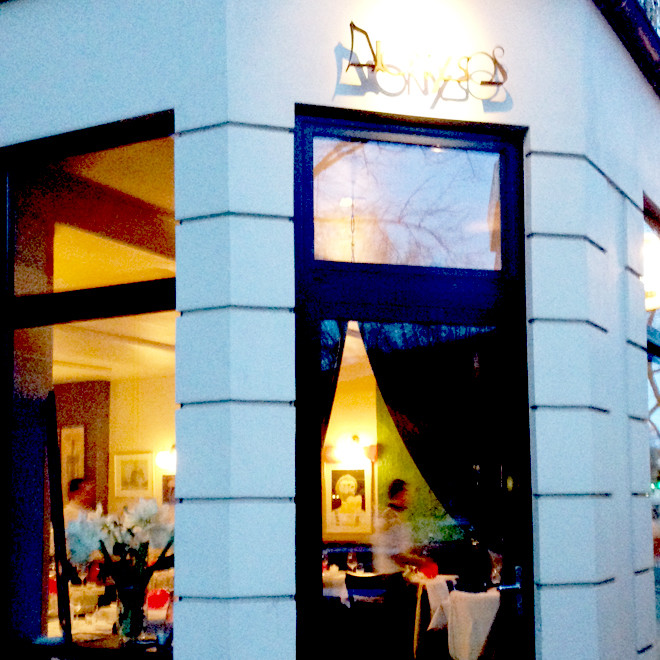 dionysos-griechisch-eimsbuettel-außen