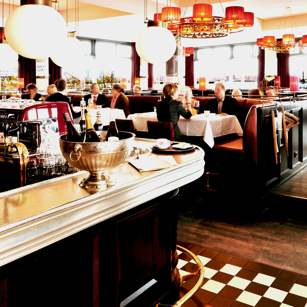 Carls-Brasserie-Hafencity-Tresen