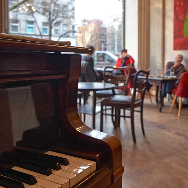 Mischkonzern-p103-Cafe-Lunch-Berlin-Potsdamer-Straße-1