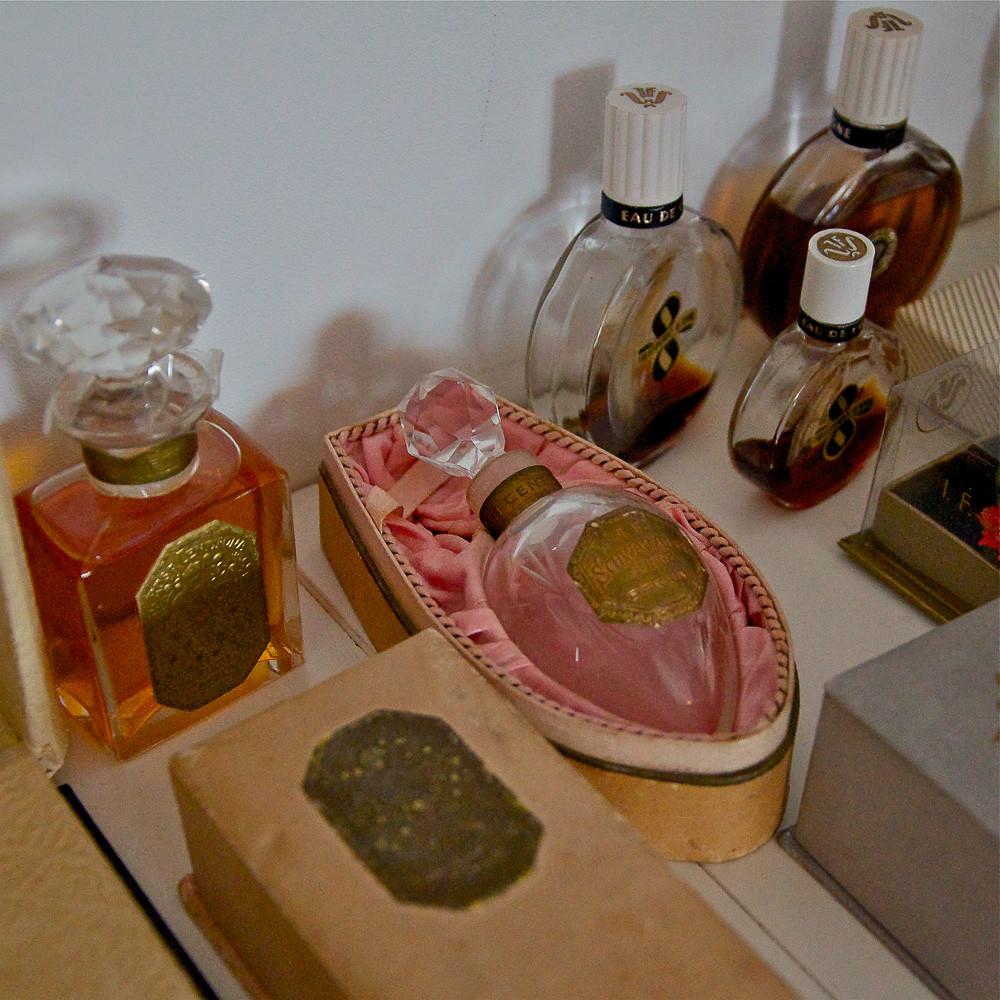 Schwarzlose-Parfum-Berlin-Flakon