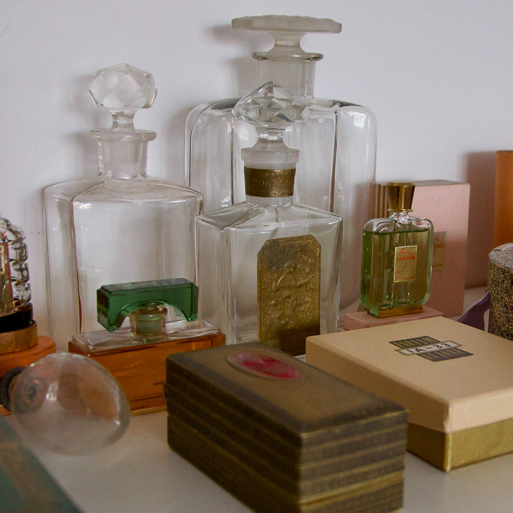 Schwarzlose-Parfum-Berlin-Flakons
