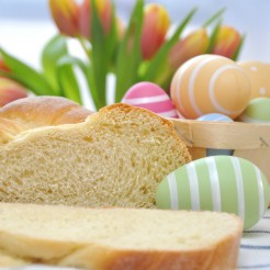 The-Regent-Berlin-Brunch-Osterbrot_© A_Lein - Fotolia.com