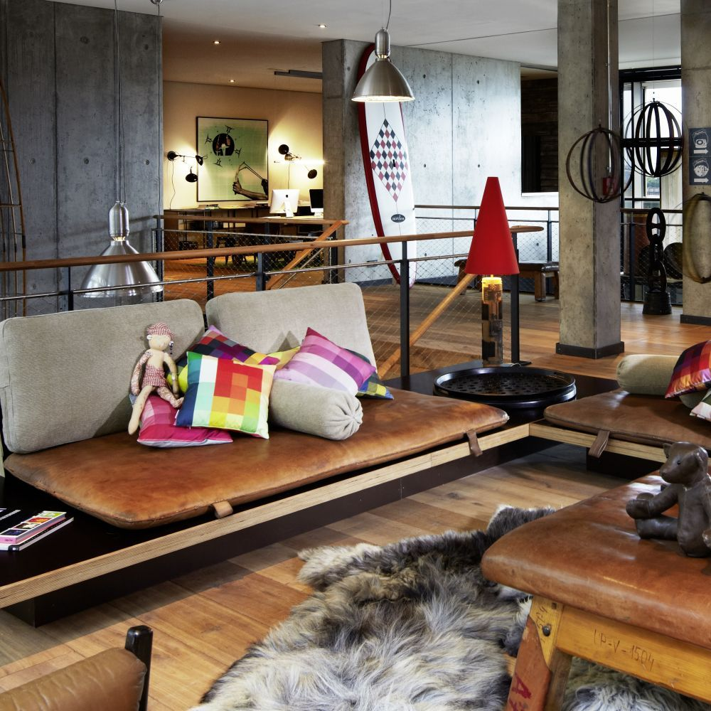 25h-HafenCity-Club-Room