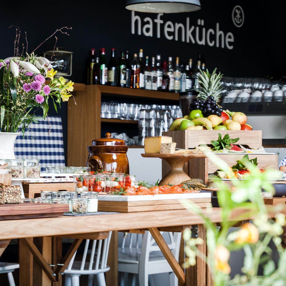 Frühstüscks Brunch in der Hafenküche Rummelsburger Bucht