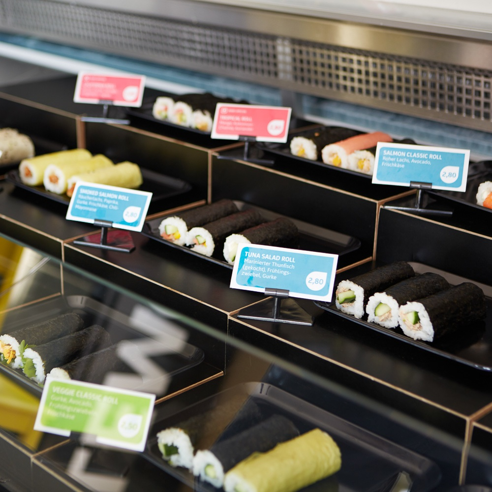 Maki Rolls to go Sushi Rollen Snack Torstraße Auswahl